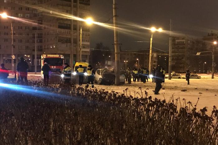 В Петербурге возбудили уголовное дело после смертельной аварии на Гражданском проспекте. Водитель уходил от преследования полиции