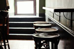 Poison, «Маяк» и еще семь петербургских баров, которые рекомендуют экспаты