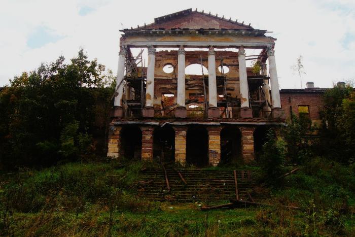 Закс поддержал предложение сдавать заброшенные исторические здания в аренду за 1 рубль