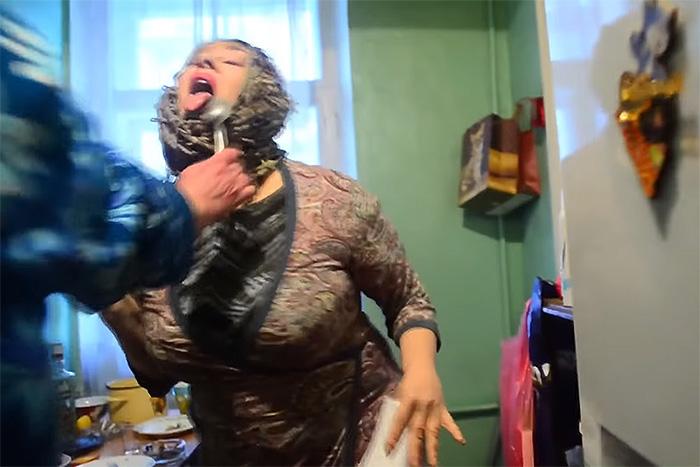 Пенсионерки, коты и швейный цех: пять видео под Satisfaction, которые петербуржцы сняли в поддержку ульяновских курсантов