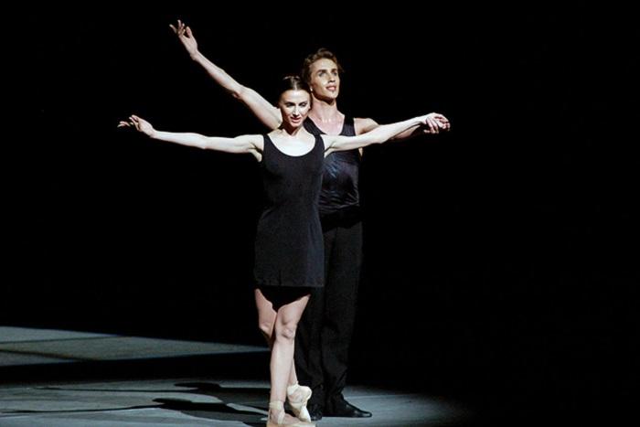 «Балет всегда был закрытой сферой искусства». Прима Большого театра Светлана Захарова — о моде напачки, театральных трансляциях ифильмах про балерин