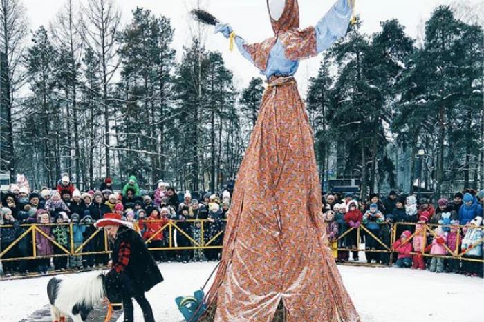 Как в Петербурге праздновали Масленицу: 10 фотографий чучел и блинов из Новой Голландии, ЦПКиО и Петропавловской крепости