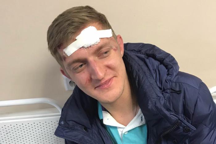 В Петербурге муниципального депутата избили и обокрали со словами «Вам привет»