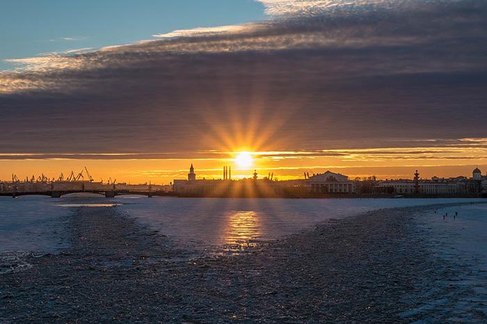 Морок, слякоть или дожди: пройдите тест и узнайте, какая петербургская погода подходит вам больше всего