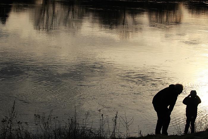 Петербуржцы готовы брать отпуск по уходу за ребенком, но их жены против. Почему? Объясняет социолог