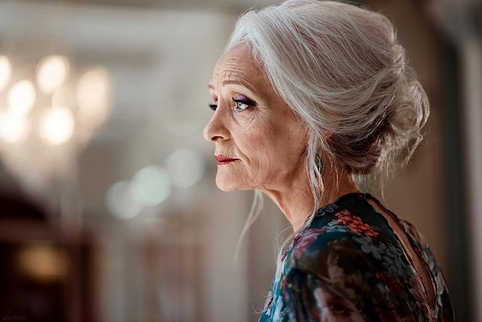 Как 60-летняя петербурженка стала моделью, снялась для обложки журнала и теперь призывает небояться старости