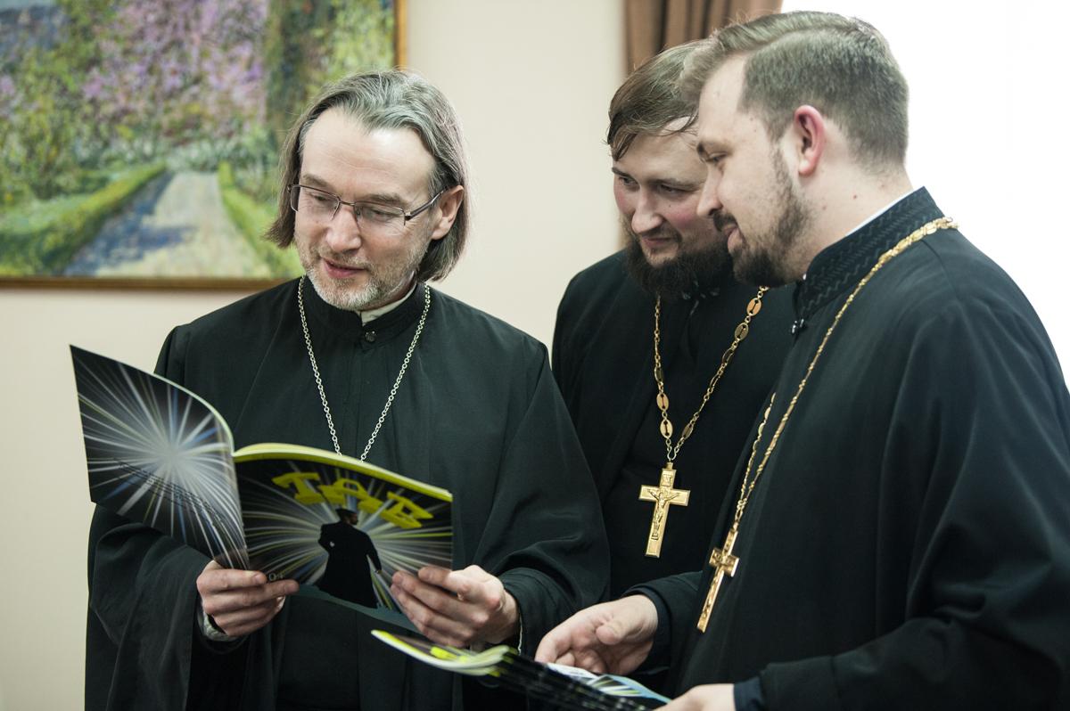 Священник из Выборга, написавший комикс-пособие про церковь, рассказывает о своей идее, православной молодежи и любви кфильмам «Марвел»