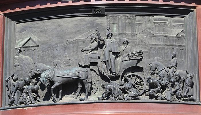Усмирение холерного бунта. Барельеф памятника Николаю I на Исаакиевской площади