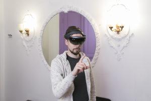 Это мы создаем виртуальную реальность. Кто в Петербурге использует VR в фильмах про Эрмитаж и в образовании?