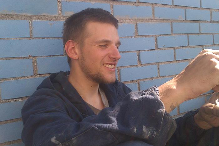«У меня было много планов на жизнь в России». Петербуржец Илья Капустин — о пытках по «делу антифашистов», эмиграции и жизни в лагере для беженцев