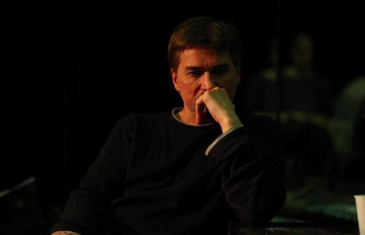 Юрий Бутусов покинул Театр имени Ленсовета. Как режиссер привлек в театр молодых зрителей, почему конфликтовал с руководством и как его поддерживают петербуржцы и актеры