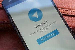 «Роскомнадзору еще ни разу не удавалось запретить что-либо до конца»: авторы петербургских Telegram-каналов — о том, что будут делать после блокировки мессенджера