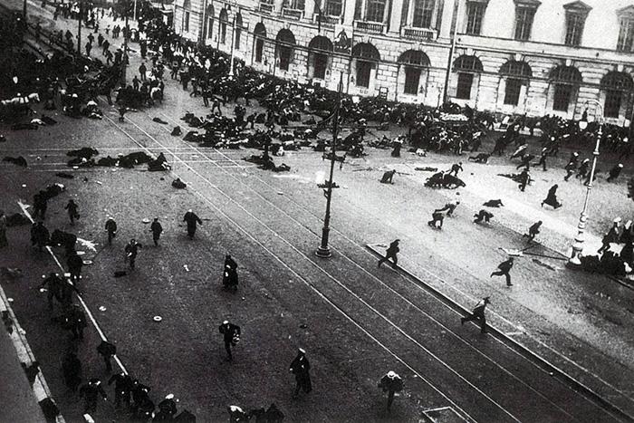 Как Петроград жил в Гражданскую войну: уличные бои, сухой закон и кокаин. Рассказывает историк