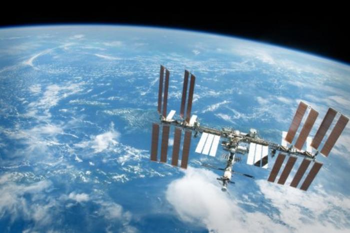 Роскосмос запустил сервис по отправке писем на МКС. Пообщаться с космонавтами могут все желающие