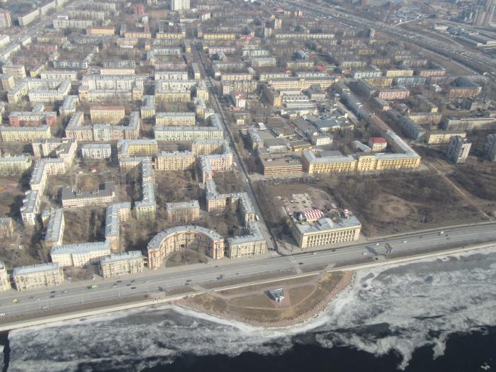 На ЦИАН за 220 млн рублей продают полуостров напротив Александро-Невской лавры