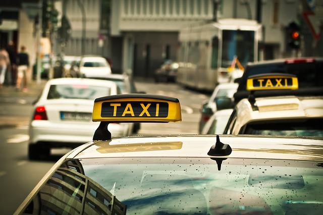 Петербургского таксиста задержали по подозрению в изнасиловании