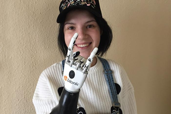 Маргарита Грачева, которой муж отрубил кисти рук, проходит реабилитацию в Петербурге. Она рассказывает о лечении и помощи жертвам насилия