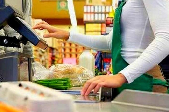 В Ленобласти временно запретят продажу алкоголя ради «законопослушного поведения молодежи»