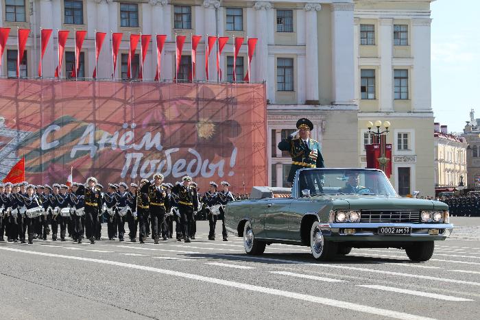 Генеральную репетицию парада Победы в Петербурге перенесли на воскресенье из-за возможных пробок