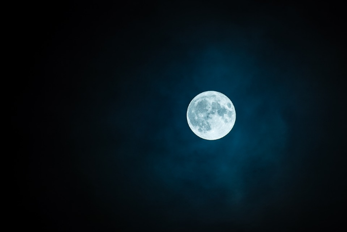 Первого российского космонавта хотят отправить к Луне в 2024 году на американском корабле