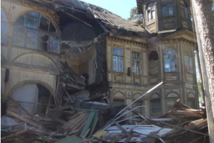 В Сестрорецке обрушилась дача Кочкина. Два года назад здание признали объектом культурного наследия