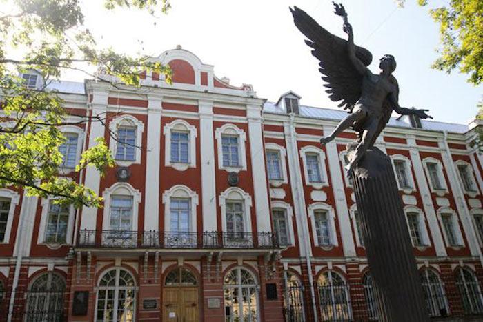 Из СПбГУ отчислили студента, создавшего группы во «ВКонтакте» в поддержку «хабаровских живодерок». На него пожаловались зоозащитники