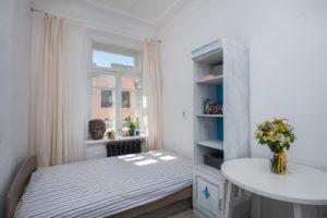Как сделать жилье в стиле лофт скирпичными стенами и кроватью под потолком из помещений длякарет, коммуналки без ванной иполуразрушенной квартиры наокраине