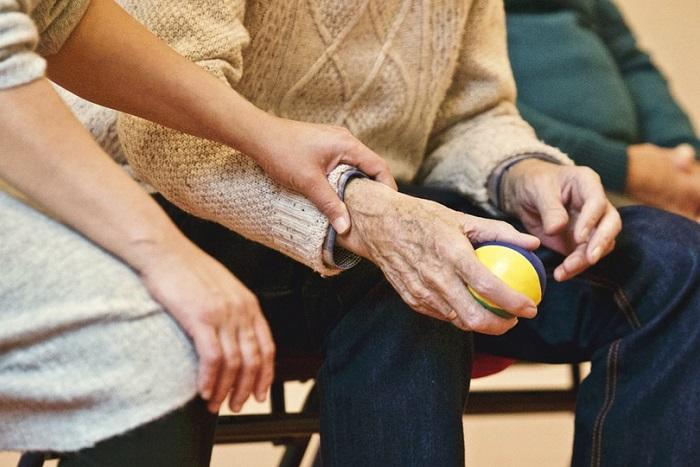 Почему повышение пенсионного возраста не решит наши проблемы? И в чем плюсы реформы? Рассказывают социолог, член профсоюза и один из инициаторов петиции за отмену реформы