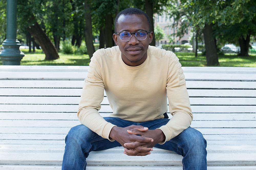 Гамбиец Абдулай Маннэ — обуличных тренажерах, африканской еде вПетербурге ипрогулках в Девяткине