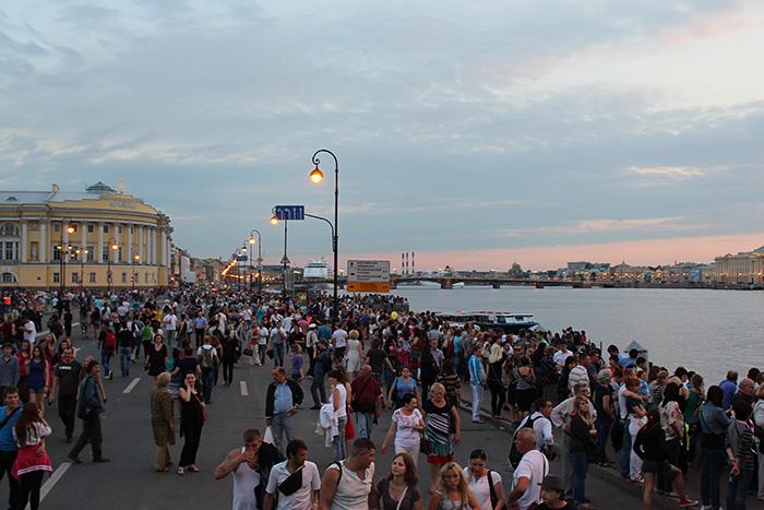 Что иностранцы и туристы из России думают про Петербург? Рассказывают экскурсоводы