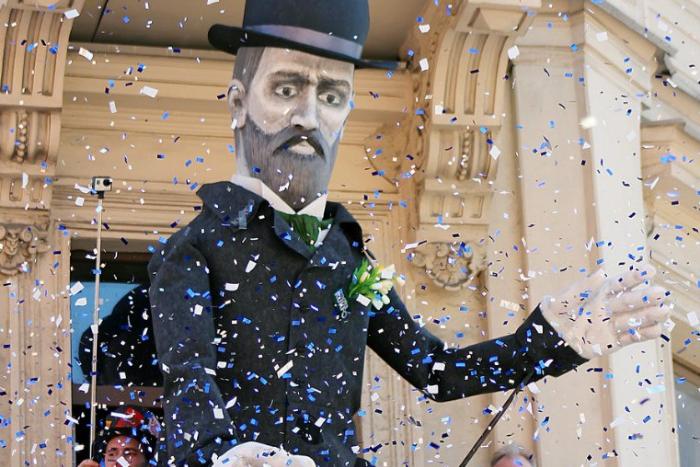 В День Достоевского на Новой Голландии покажут спектакль «Идиот» и шествие гигантских марионеток