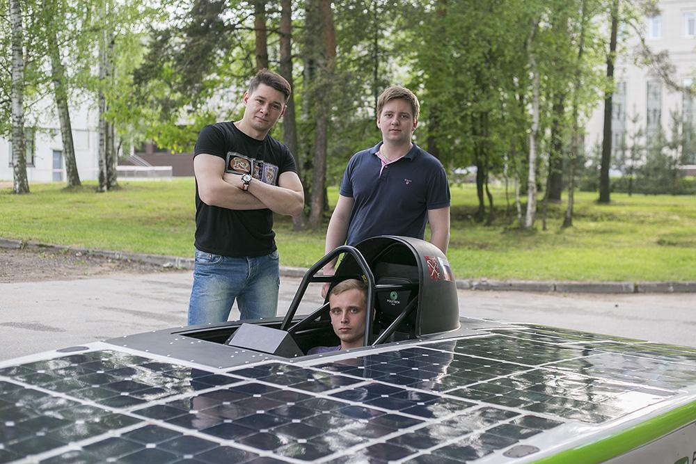 Петербургские студенты сделали первый в России автомобиль на солнечной энергии и собираются на гонки в Небраску. История проекта Polytech Solar