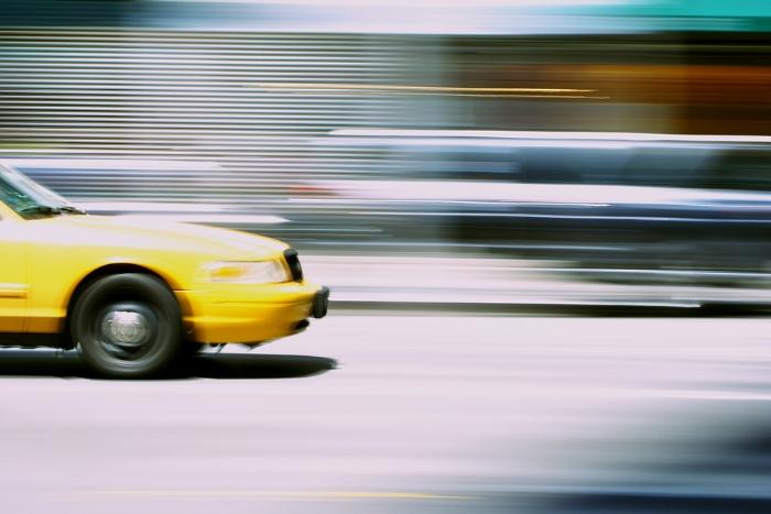 С Невского на Крестовский за 1,5 тысячи рублей: как менялись цены на такси в день матча Россия — Египет