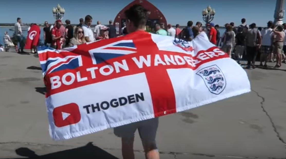 Футбольные хулиганы, ненависть к англичанам и невкусная еда: блогер из Англии, приехавший на ЧМ, записал ролик про 10 мифов о России