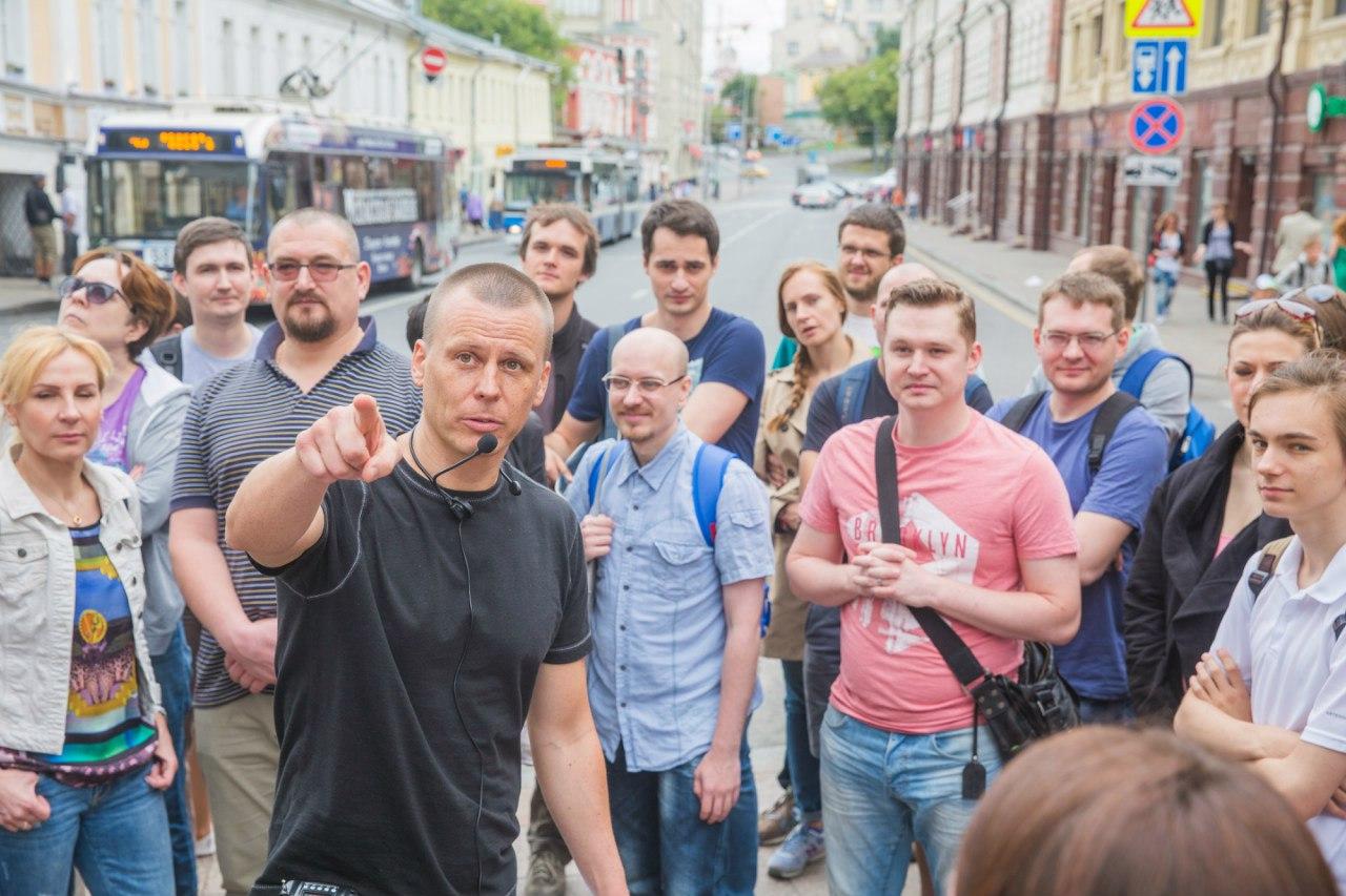 В Петербурге можно сходить на экскурсию о дореволюционном быте. Там расскажут, как петербуржцы жили без электричества и что ели во время бизнес-ланча