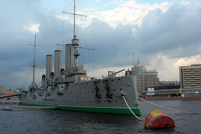 На крейсере «Аврора» впервые с 1917 года начал работать корабельный храм