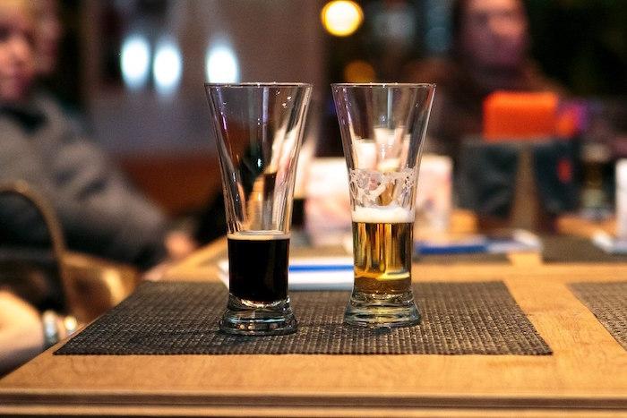 Минфин намерен с 2019 года ужесточить продажу пива и маркировать его наравне с крепким алкоголем, пишет «Коммерсант»