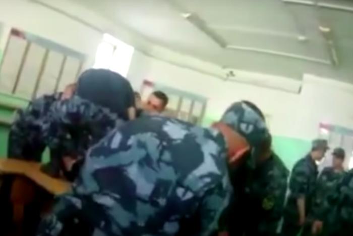 Замглавы ФСИН заявил, что заключенный, которого пытали в ярославской ИК, провоцировал сотрудников колонии