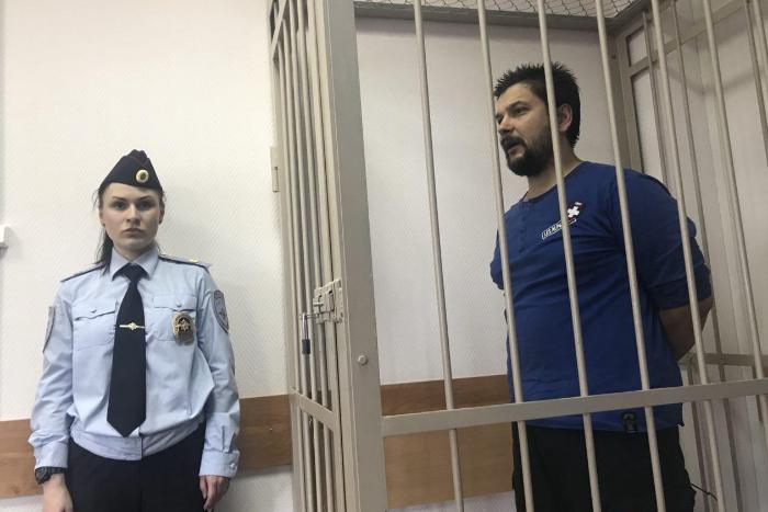В Петербурге бывший офицер украл миномет из военной части и похитил доспехи и стрелы из патриотической организации. Его осудили на 10 лет