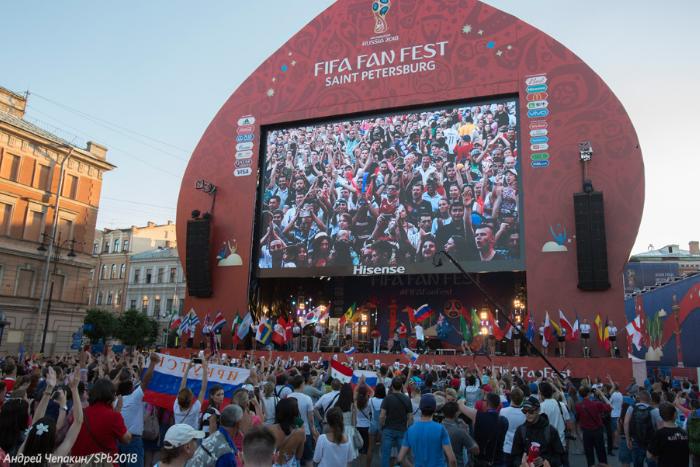 Фан-зону ЧМ на Конюшенной посетили более 1,3 млн болельщиков из всех 32 стран-участниц