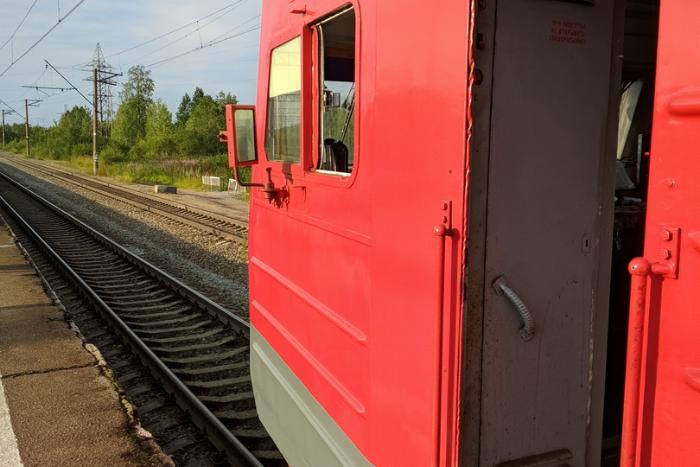 На Балтийском направлении электрички движутся с опозданием. Задержки достигают двух часов