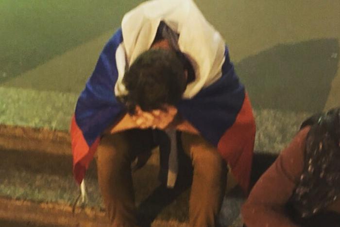 Как Петербург пережил проигрыш России в матче с Хорватией. Грусть, слезы и благодарность за красивый футбол