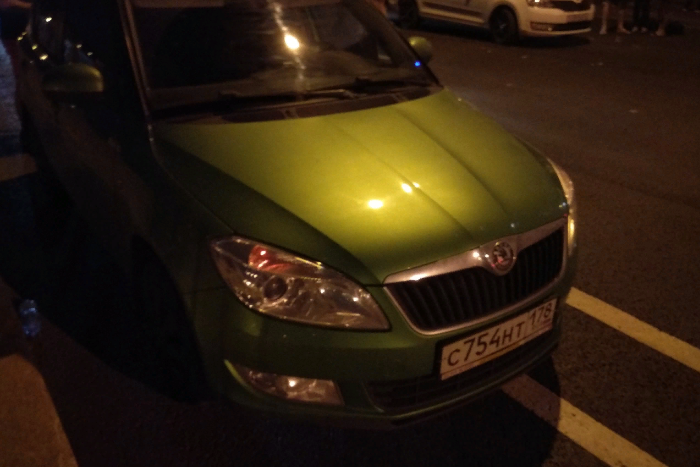 Петербуржец рассказал, как его избили за замечание водителю, припарковавшемуся на велодорожке. Полиция начала проверку