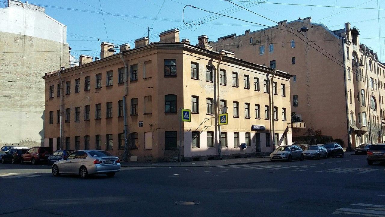 В Смольном заявили, что дом 1868 года на Херсонской, на месте которого планировали возвести ЖК, построили в 1979 году