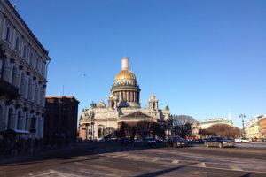 Петербуржца, который ломом повредил алтарь Исаакиевского собора и кричал об «очаге зла» в музее, отправили на принудительное лечение