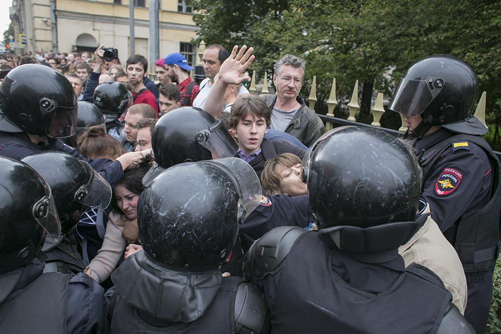 Суды Петербурга рассмотрели 145 дел после акции 9 сентября. Задержанные получают до 10 суток ареста и до 20 тысяч рублей штрафа