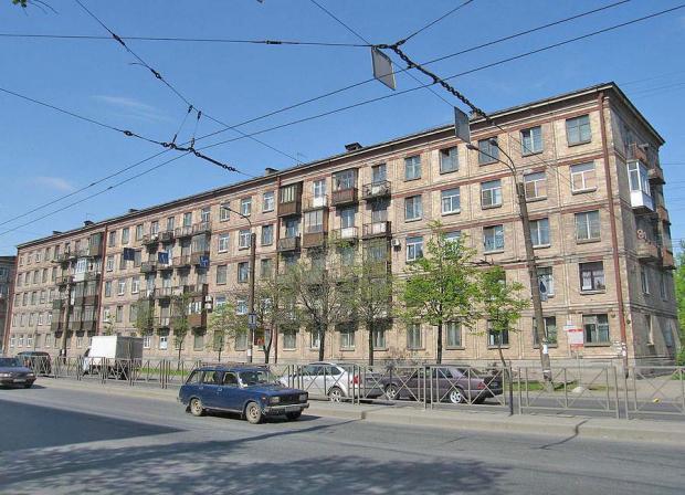 В Петербурге запускают автобусные экскурсии об архитектуре ленинградского модернизма