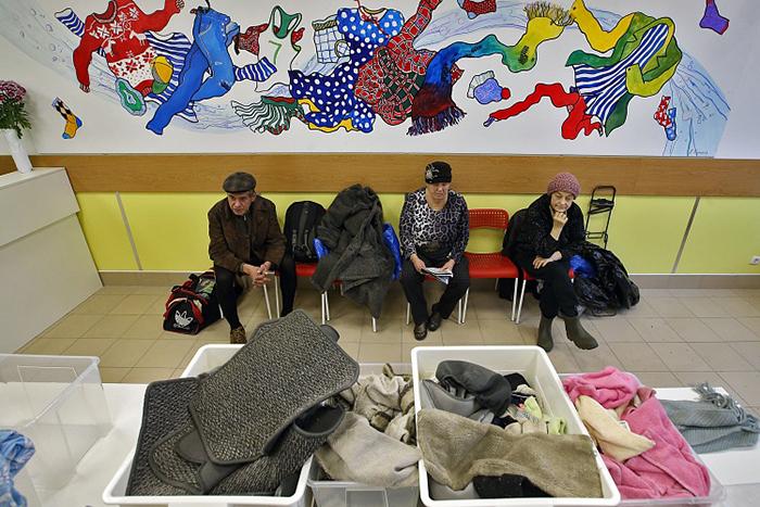 Почему москвичи протестуют против прачечной для бездомных и как такой проект два года успешно работает в Петербурге — в интервью директора «Ночлежки» Григория Свердлина