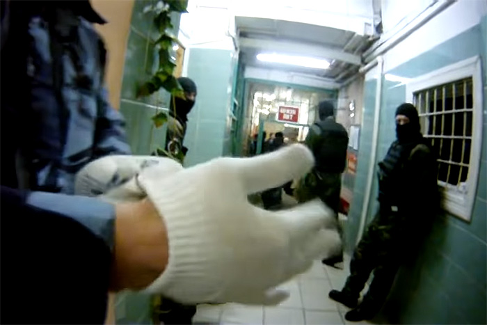 Кого и почему пытают в России и можно ли добиться наказания полицейских? Рассказывает юрист «Комитета против пыток»