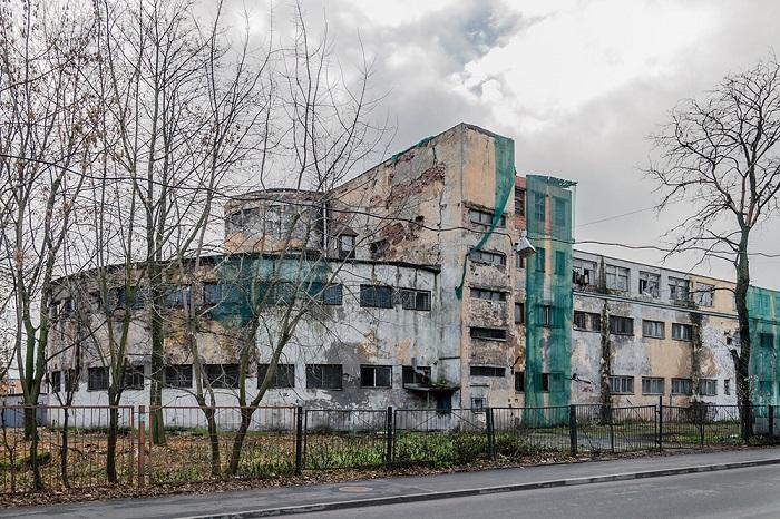 Как конструктивисты меняли быт Ленинграда и зачем строили дома-коммуны и фабрики-кухни? Рассказывает архитектурный критик